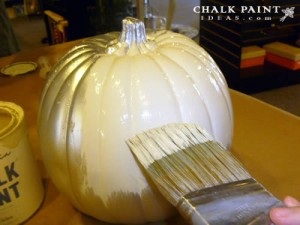 A great chalk painting idea for Fall, custom painted pumpkins.